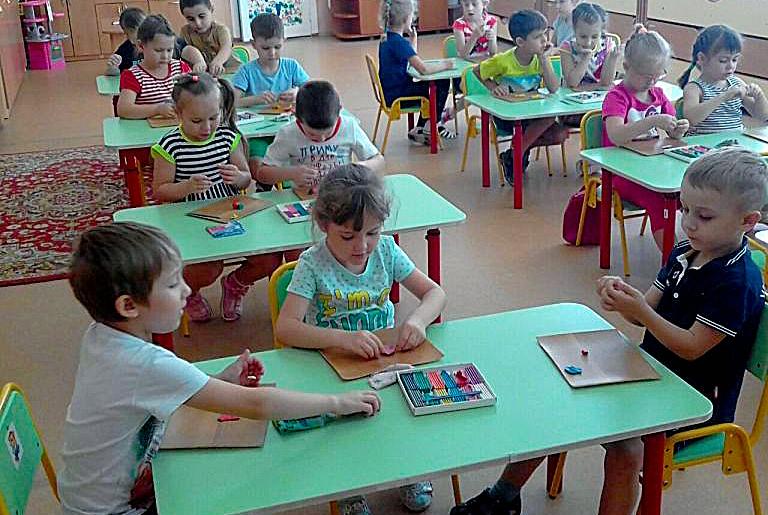 В первый класс нам рановато